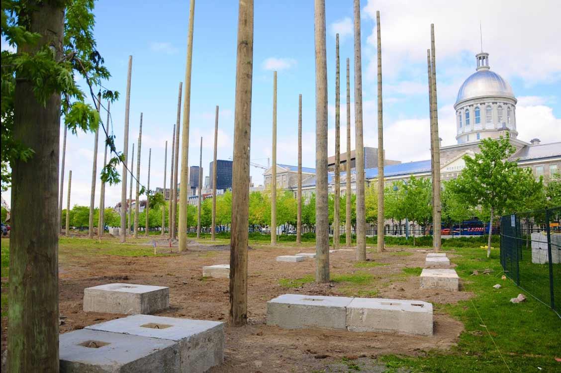 installation des poteaux pour Voiles en Voiles à Montréal par Laporte et Fils